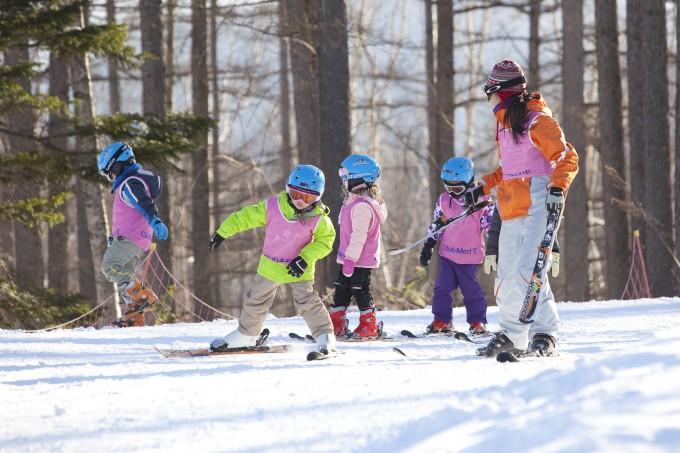 Childrens-Ski-School-at-Sahoro_Credit_Club-Med_-Kei-Yoshida
