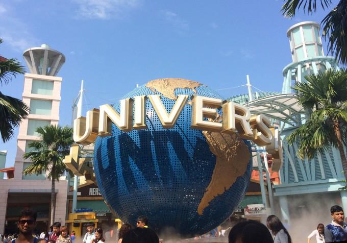 Мы побывали и в парке Universal на Сентозе, и в «Садах у залива», и обошли весь район Marina Bay Sands...