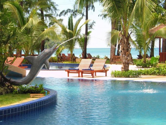 тот курорт славится пятизвездочными отелями и восхитительными пляжами.