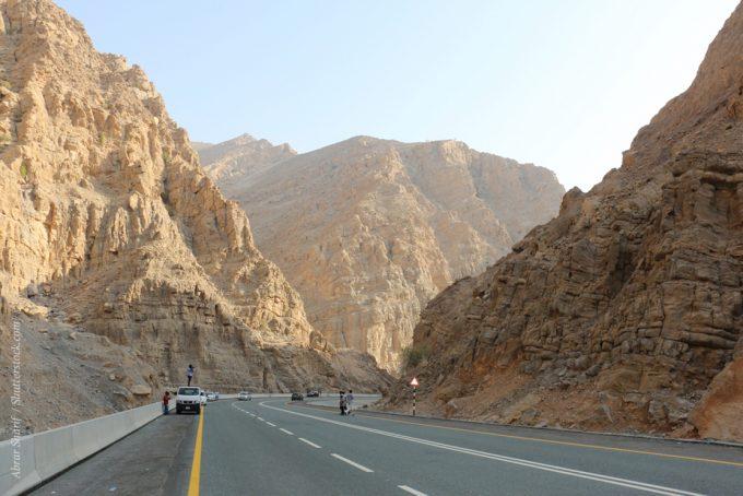 Именно в Рас-эль-Хайме располагается «Большой каньон» Хаджарских гор, который ничуть не уступает по красоту своему американскому собрату.
