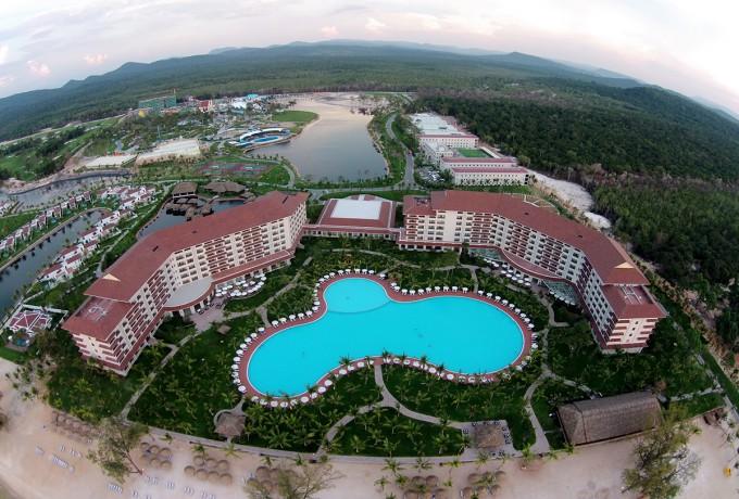 В отеле есть большой парк развлечений Vinpearl Land с аттракционами для детей и взрослых!