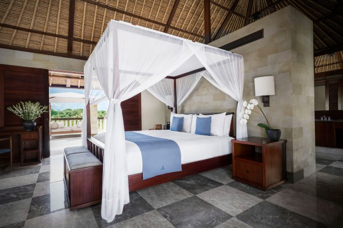 courtyard-suite-bedroom-view-on-the-private-courtyard-crop
